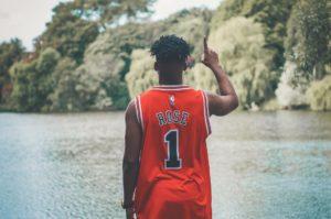 爽やかなバスケットボール選手