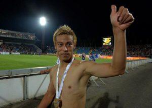 ツルツルワキの本田圭佑選手2